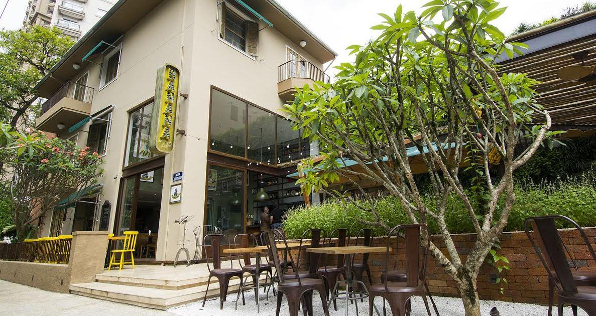 banana cafe 01
